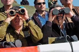 Amir Peretz views military exercise (c) Ephraim Shrir